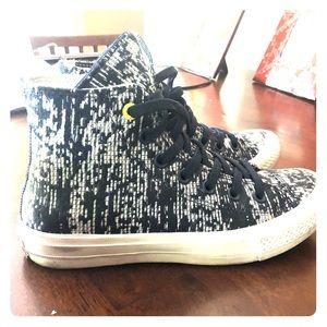 Converse sneakers chucks